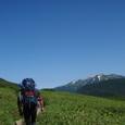 0915大休止の後、いざ五郎岳。薬師岳が見える