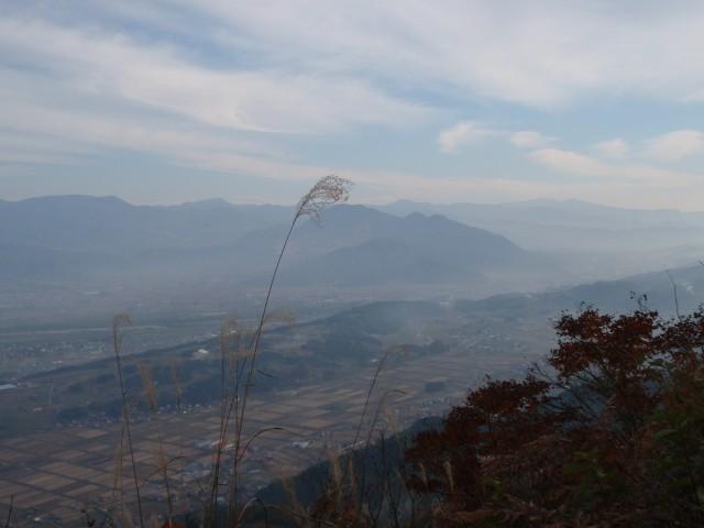 飯山盆地を見下ろす